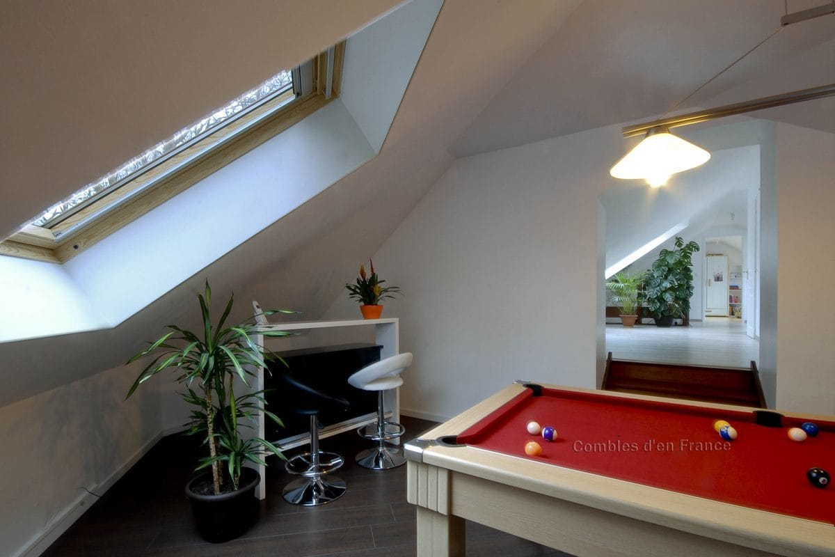 billard sous combles combles d 39 en france. Black Bedroom Furniture Sets. Home Design Ideas