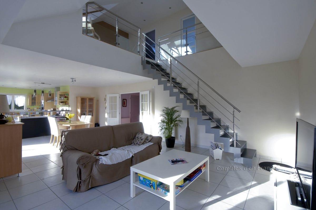 plafond combles meilleures images d 39 inspiration pour. Black Bedroom Furniture Sets. Home Design Ideas